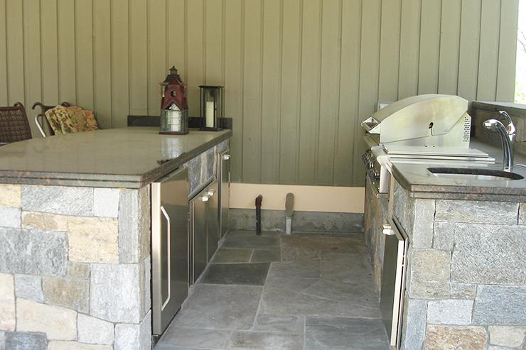 Cabrera Contracting - Cortlandt Manor NY -07 - outdoor kitchen